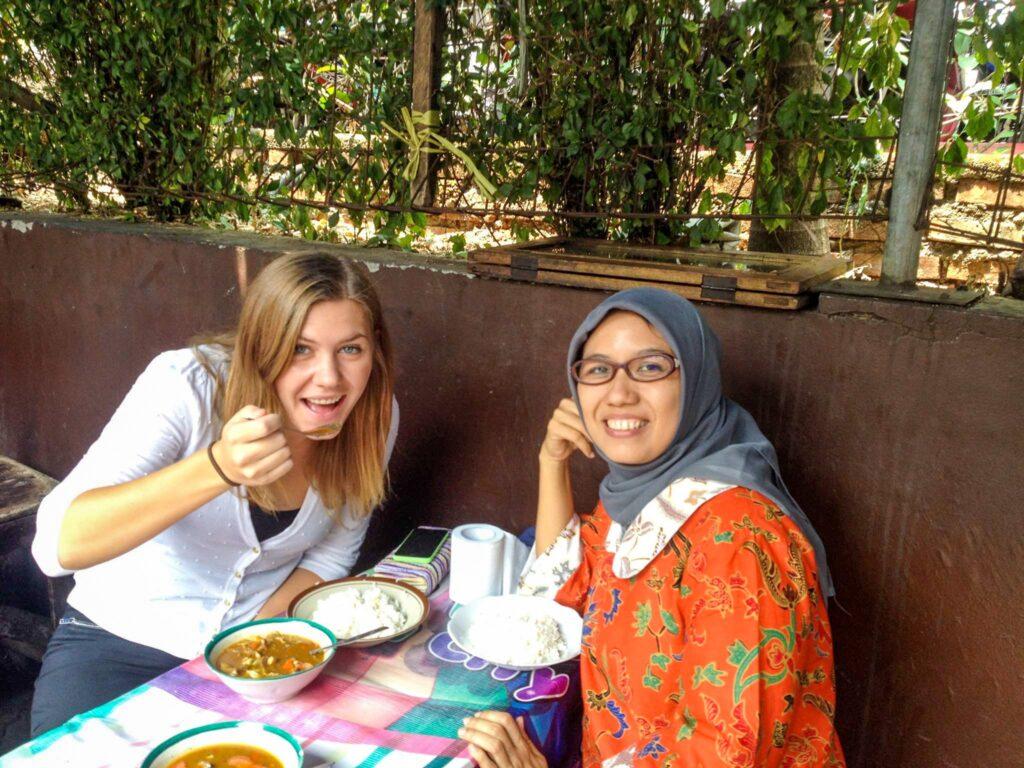 Indonesian food, street food in Jakarta