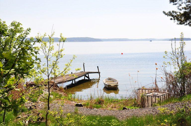 Sweden-view-boat-sea-summer