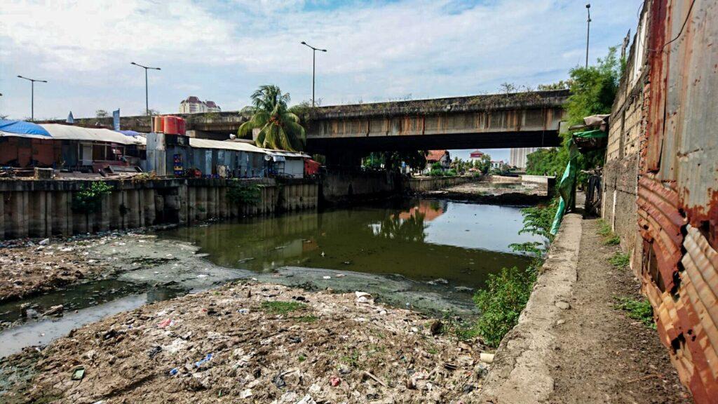 Stinky River Water - Slum tourism in Jakarta